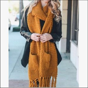 New Mustard Chunky Scarf With Pockets